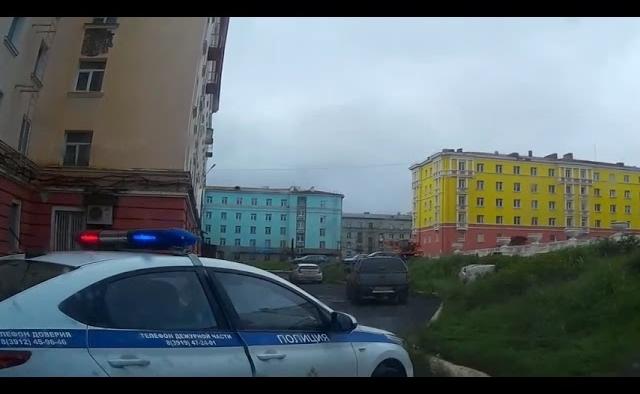 Работник автосервиса угнал машину клиента и сбил на ней пешехода